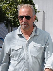 Kevin Costner, sunglasses