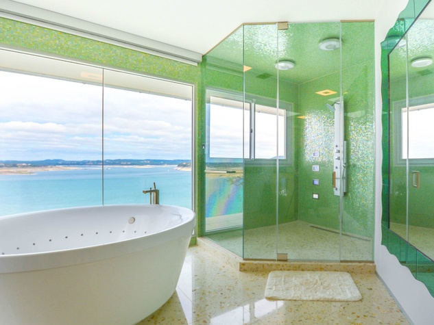 Austin house home Acqua Villa Winn Wittman Lake Travis 14515 Ridgetop Terrace 78732 master bathroom