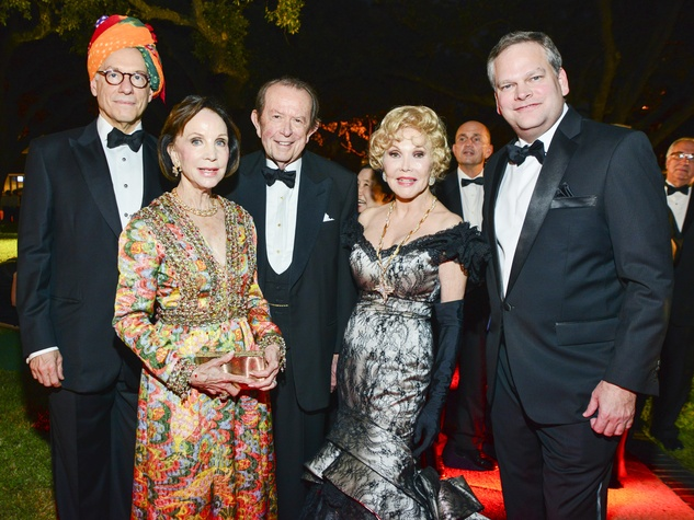 5 Gary Tinterow, from left, Cornelia and Meredith Long, Joanne King Herring and Steve Payne at the MFAH Grand Gala Ball October 2013