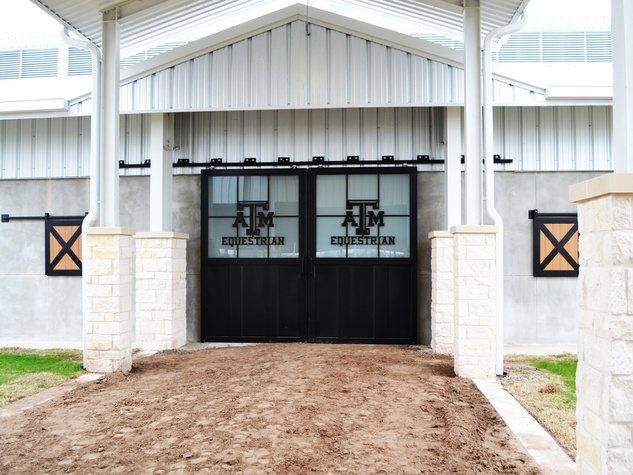 Texas A&M Hildebrand Equine Center 1 May 2014
