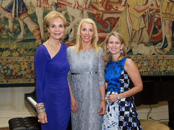 - Leisa-Holland-Nelson-from-left-Marie-Bosarge-and-Julie-Hardin-at-the-AVDA-event-October-2013_104616