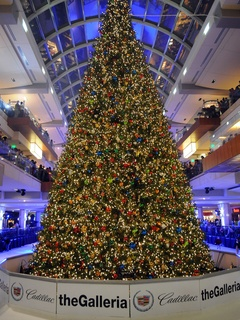 The Galleria Presents 31st Annual Ice Spectacular And Tree