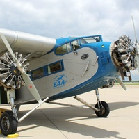 Experimental Aircraft Association presents 1929 Ford Tri-Motor Airliner Rides