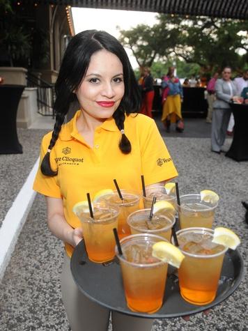 Hotel ZaZa Houston spring social April 2013  Server with cocktails