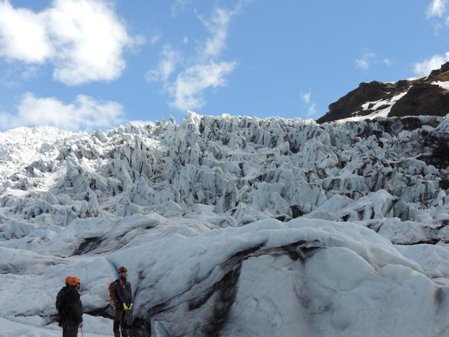 Tarra Gaines Iceland December 2014 hikers on Falljökull Glacier, Vatnajökull National Park