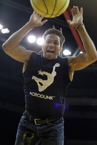 Jerry L. Burrell, Team Acrodunk, action, basketbal