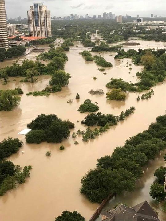 Houston-Hurricane-Harvey-flood-photos-Al