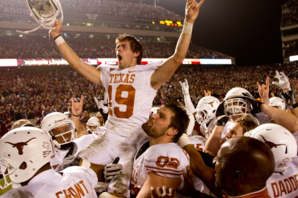 Austin Photo Set: News_Kevin_UT v AM review_Nov 2011_justin tucker celebrates