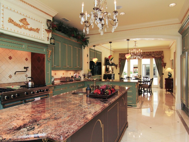 20 On the Market 2115 River Oaks Blvd. August 2014