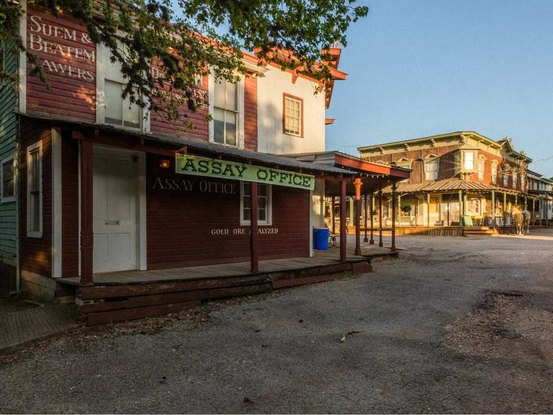 7A Resort Pioneer Town