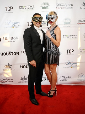 8 Dr. Quang and Staci Henderson at Hope Masquerade for a Cure Gala November 2013