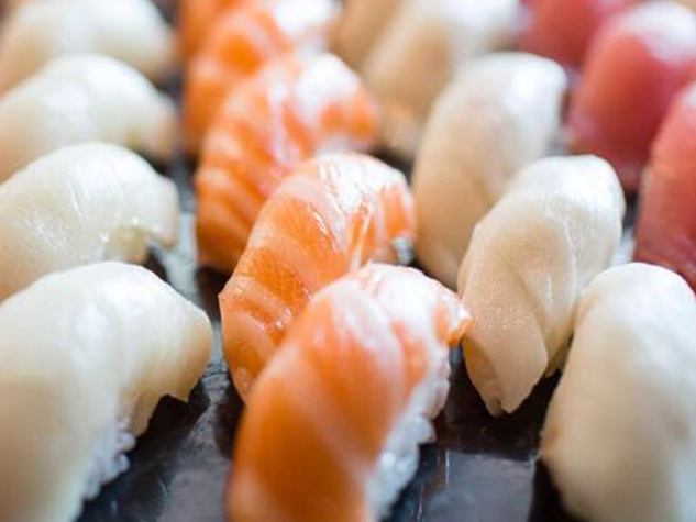 Nara farm salmon sushi