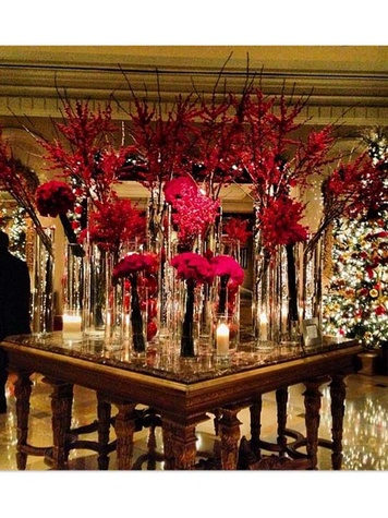 Ritz Carlton Dallas lobby display