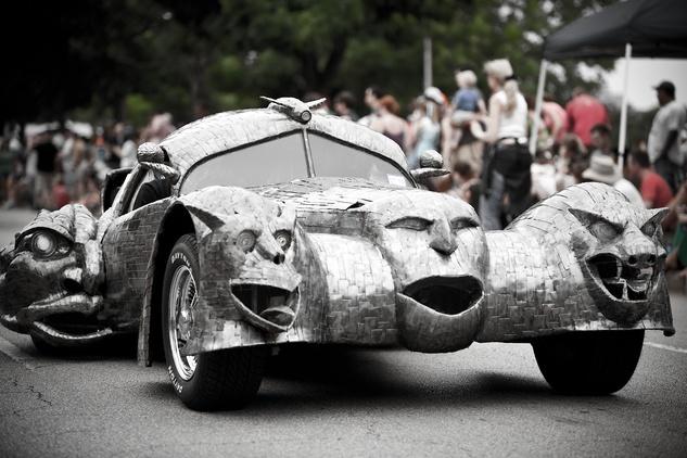 News_Art_Car_Parade_art car