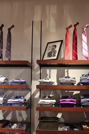 News_Robert Graham Store_Frank Sinatra Picture_May 2012