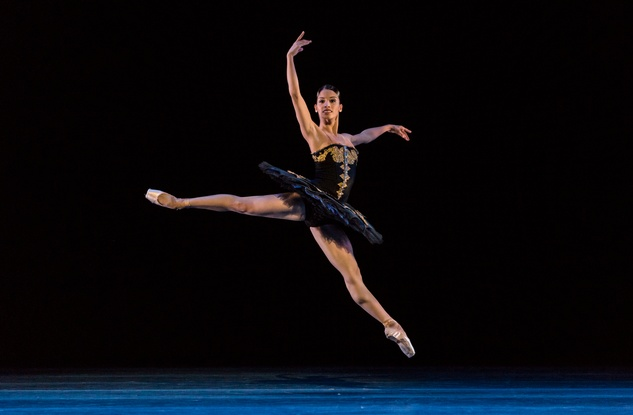 Houston Ballet From Houston to the World September 2014 Karina Gonzalez in ONE/end/ONE