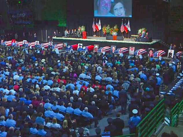 West, Texas, memorial service crowd April 2013