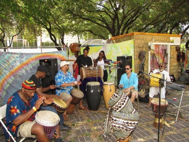 Joy of Djembe Drumming dummers in park