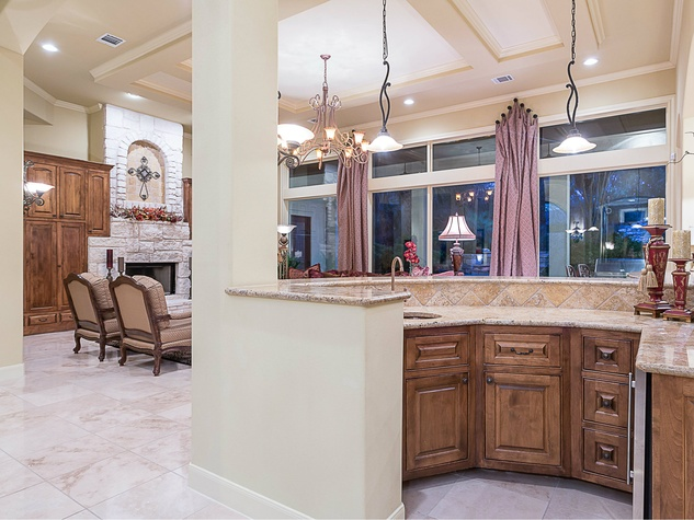 110 Bella Cima Austin house for sale kitchen