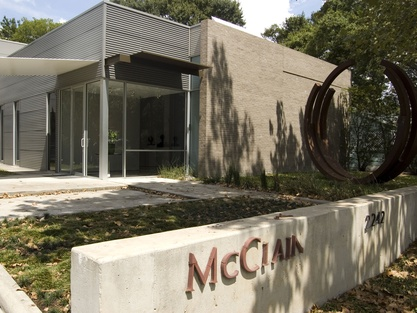 Places-A&E-McClain Gallery -exterior-1