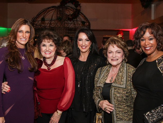 13 Melissa Mithoff, from left, Warner Roberts, Alicia Smith, Beth Wolff and Deborah Duncan at Houston Treasures dinner December 2013