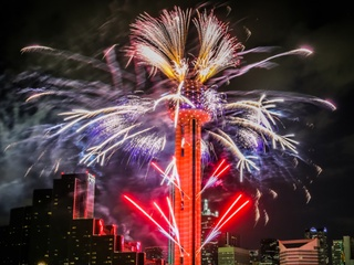 Reunion Tower presents NYE Fireworks