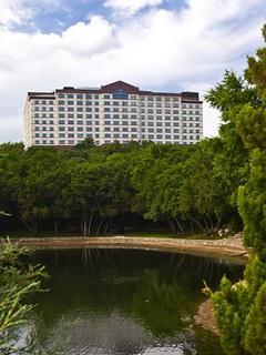 Renaissance Austin Hotel exterior