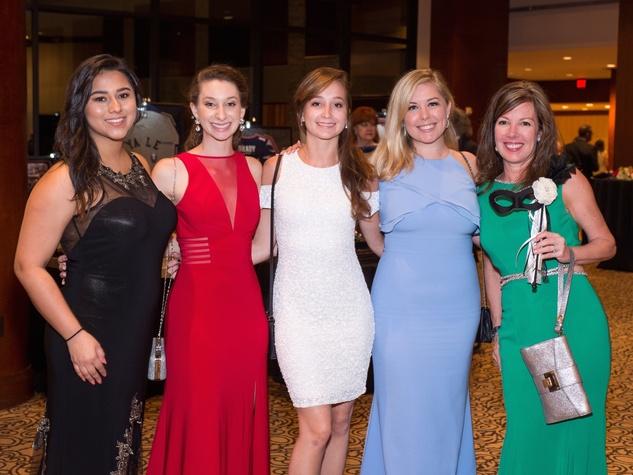 Stephanie Gutierrez, Cloe Leppard, Sophia Leppard, Callan Reeder, June Leppard at Covenant House Gala 2017