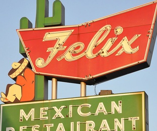 News_Felix_Mexican Restaurant_sign