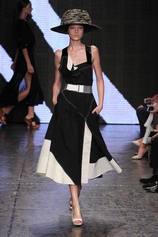 Donna Karan spring 2015 collection look 17