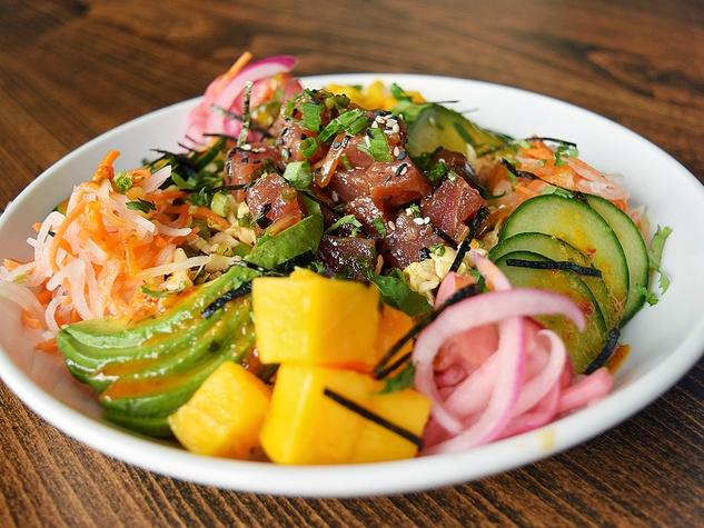 Ahi poke salad bowl