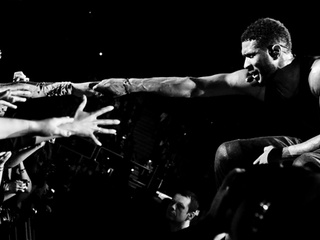 """Usher in concert with August Alsina and DJ Cassidy: """"The UR Experience"""""""