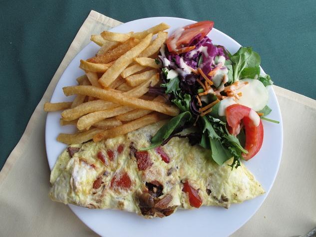Ruthie, Cafe Brussels, omelet.jpg
