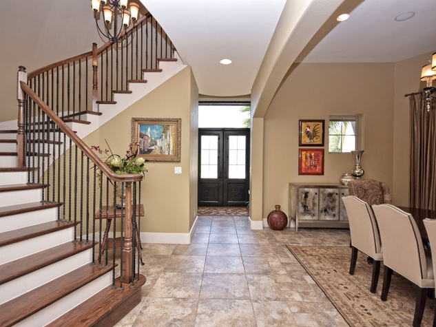 7200 Turnbuoy Austin house for sale foyer