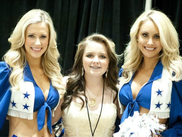 - Dallas-Cowboys-Cheerleader-Holly-Arielle-Summer-Evans-Dallas-Cowboys-Cheerleader-Ashley-Nicole_084317