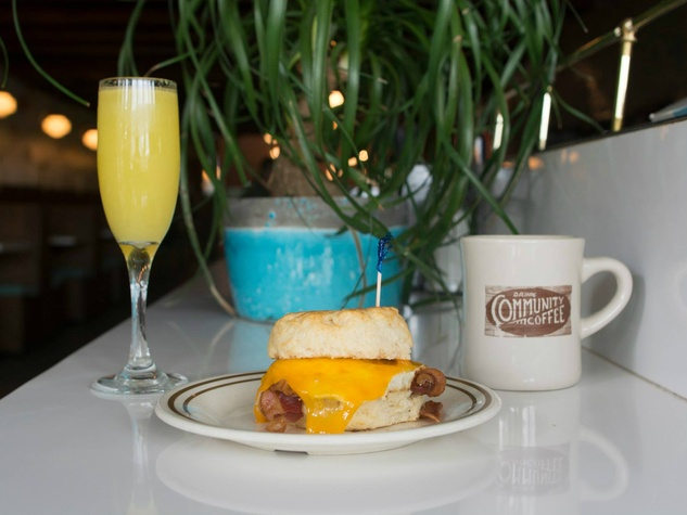 Sawyer and Co Austin restaurant breakfast sandwichi mimosa coffee