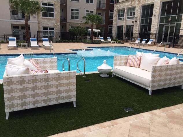 Houston, Vargos on the Lake, May 2015, pool