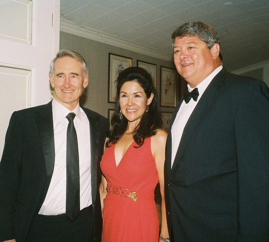 0009 Scott and Geraldina Wise, from left, with David Bailiff at the In Rice's Honor dinner October 2014