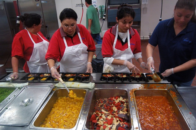 Austin Photo Set: News_Kerri Lendo_Meals on wheels_Dec 2011_serving