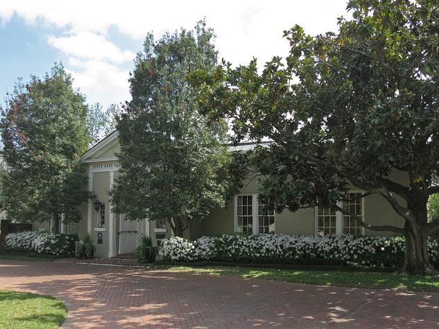 River Oaks Garden Forum exterior day