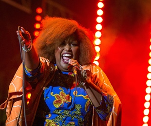 Kam Franklin The Suffers at Super Bowl Live