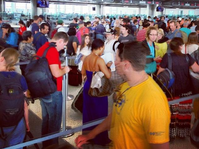 customs line at IAH airport crowd RUN FLAT