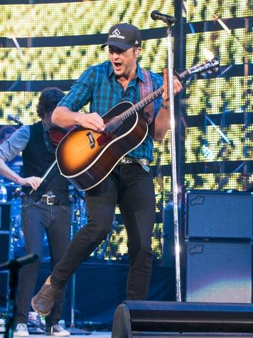 Luke Bryan at Rodeo March 2015