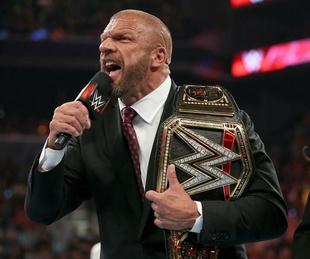 WWE heavyweight champion Triple H